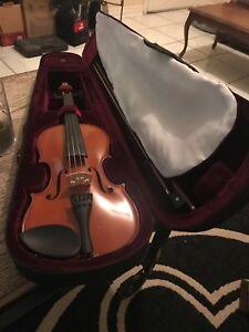 Violin barely used 100$ obo