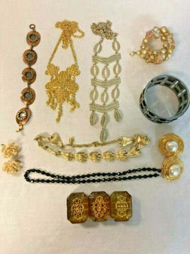 Lot of 10 Costume Jewelry Assorted Pieces Lot #5