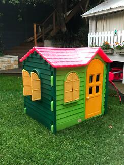 Little Tikes Cubby House