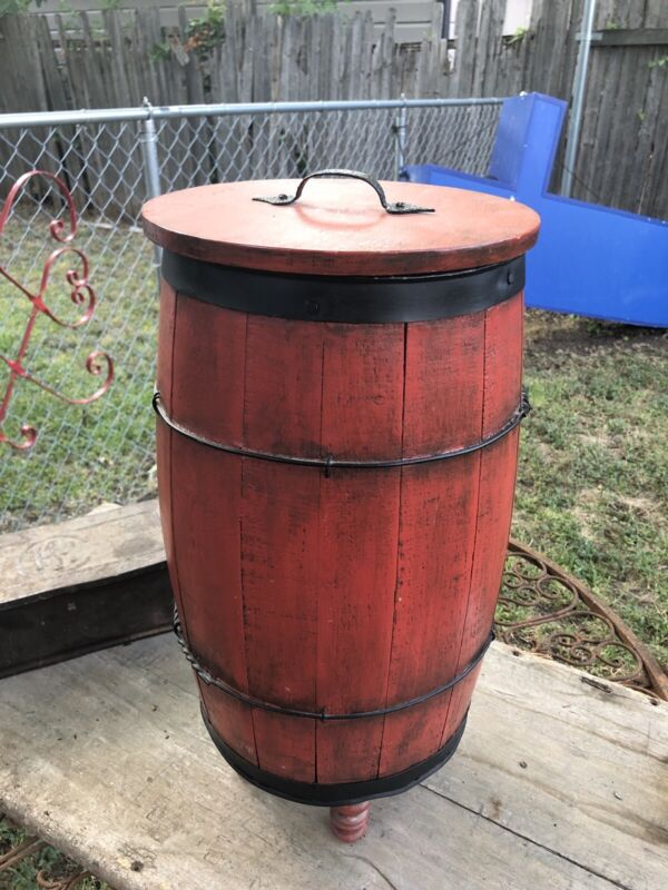 ANTIQUE WOOD BARREL BOX WITH LID