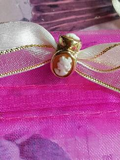 STUNNING 9CT SOLD YELLOW GOLD CAMEO CHARM - BEAUTIFUL & UNIQUE
