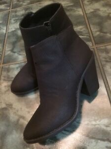 Brand new condition ESPRIT booties(size 6.5)