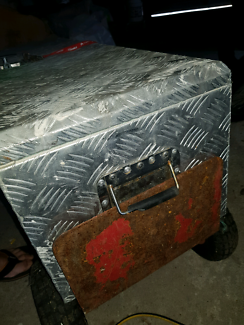 1200mm alloy checked toolbox