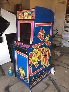 Ms PAC MAN themed arcade 1000 games