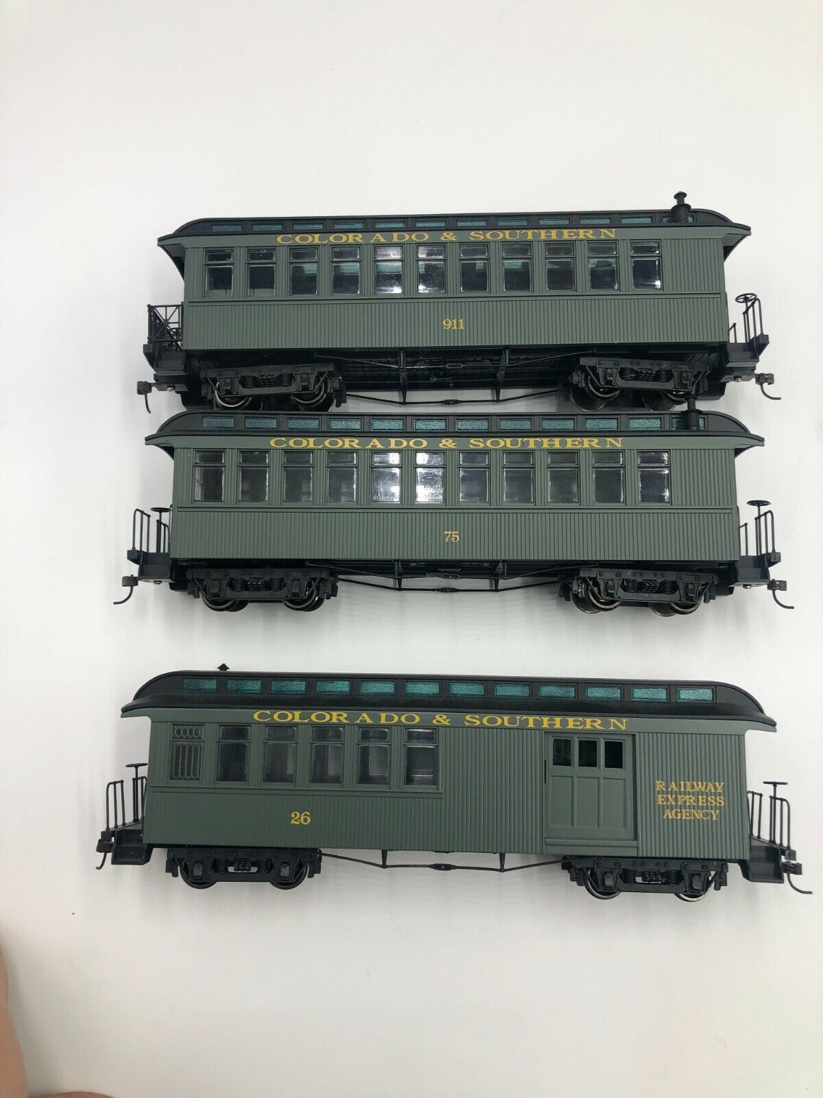Bachmann On30 C S Passenger Train Set Combine , Coach, And Observation Car Exc  - $149.99