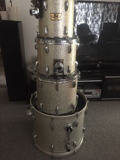 Price reduced pearl masters custom 4 pc maple shells Kenwick Gosnells Area Preview