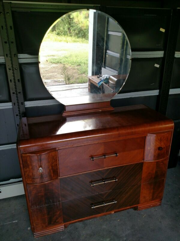 1930,s Era Art Deco Dresser With Mirror