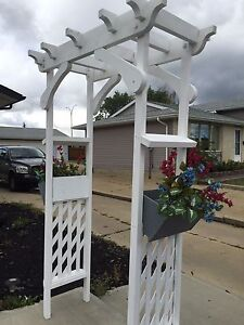 Arch for wedding and cover box for dodge dakota