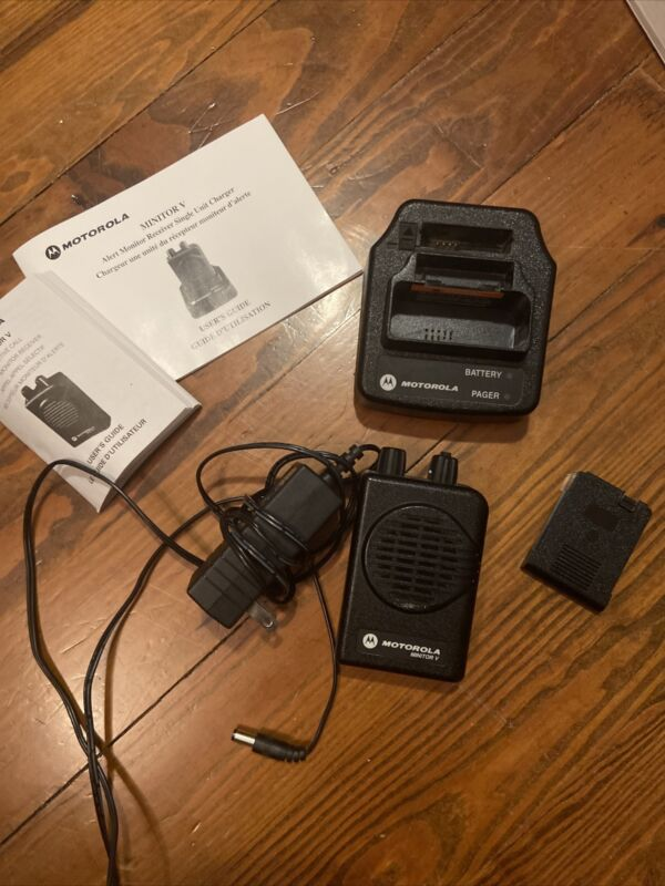 NEW Motorola Minitor V 2-Channel VHF Pager 151-158.9975 MHz with Charger