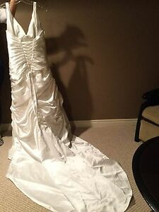 Wedding Dress never worn Alfred Sung size 18