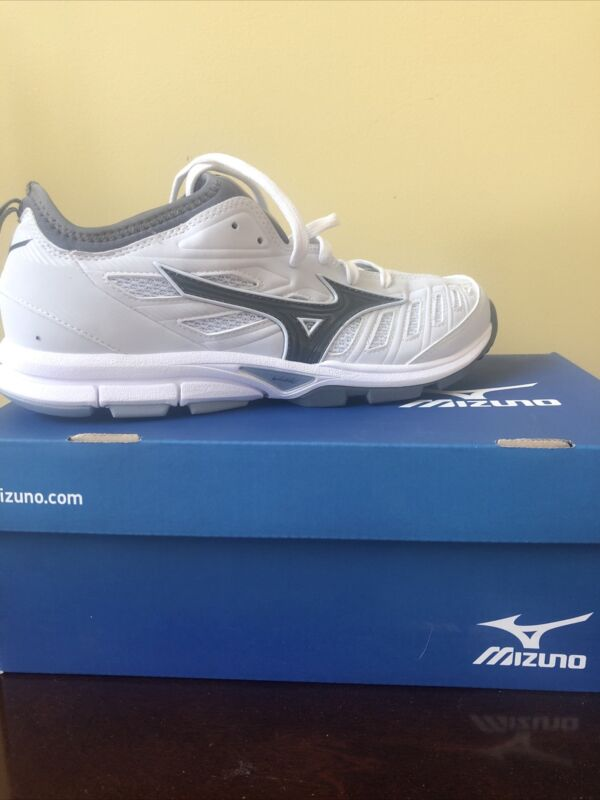 Mizuno Womens Softball Turf Shoes - Brand New In box