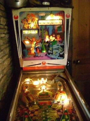vintage twin gain pinball machine recel spain coin operated