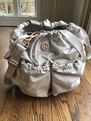 Lululemon Cream Rose Gold Bucket Gym Bag Weekend Strap