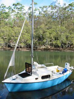 Cal 14 Trailer Sailer Yacht