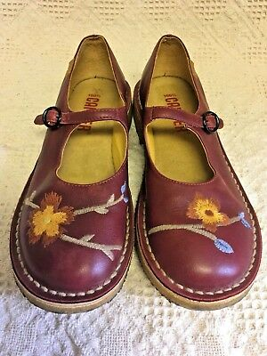 Vintage Camper Mary Janes 38 7.5 8 Red Leather Floral embroidery gum rubber sole (Leather Vintage Mary Janes)