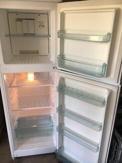 heller 200 litre frost free fridge freezer
