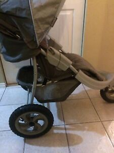 Graco jogging stroller and can the other free