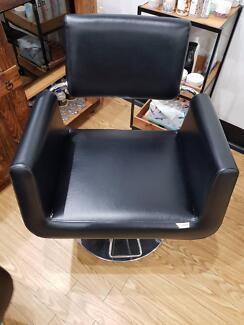 Joiken Hairdressing Chairs