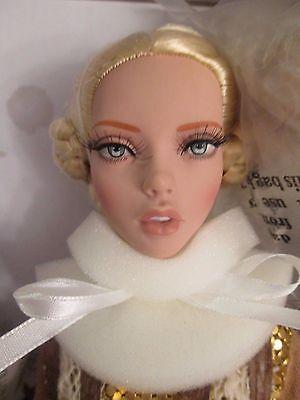 Warrior Woman Tonner Deja Vu Doll Nrfb 500 Made 2015 Birla Please Read Descriptn
