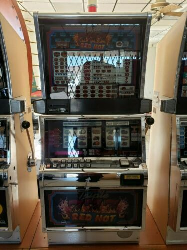 TRIPLE 777 RED HOT  COINLESS  IGT SLOT MACHINE  FUN FOR YOUR HOME