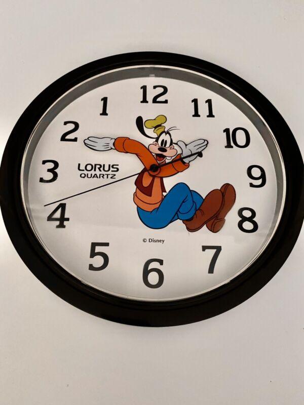 "VTG Disney Goofy Backwards Wall Clock 10"" Reverse Hands And Numbers Lorus Quartz"