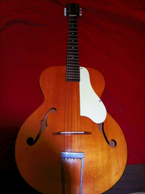 KAY SPRUCE/MAPLE ARCHTOP ACOUSTIC GUITAR VINTAGE 1950
