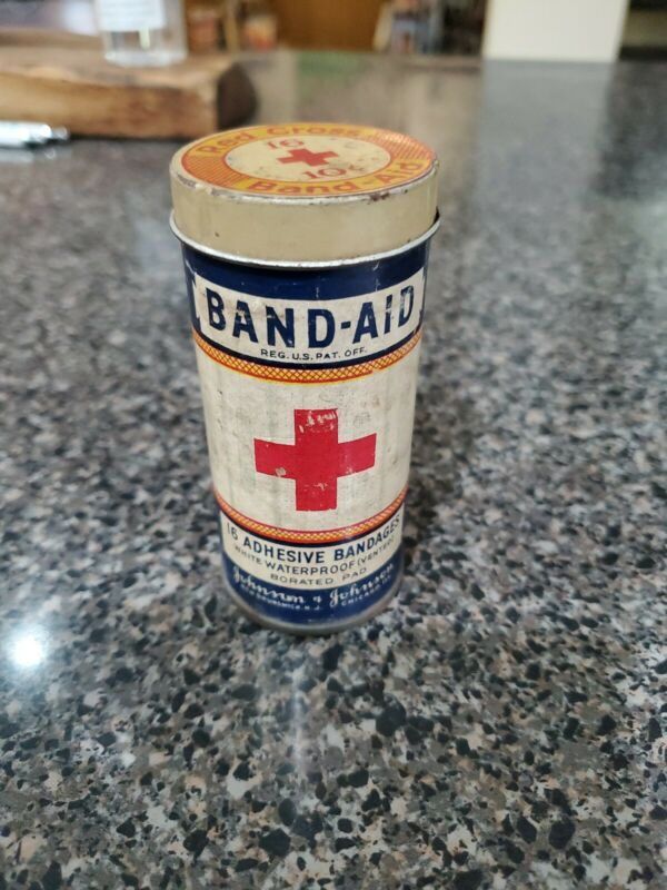 Vintage Band-Aid Red Cross Medical Bandage Tin Johnson & Johnson, New Brunswick,