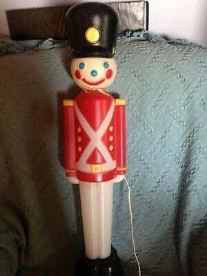 "VINTAGE 1980'S EMPIRE CHRISTMAS 32"" TOY SOLDIER BLOW MOLD (YELLOW) W/LIGHT CORD"