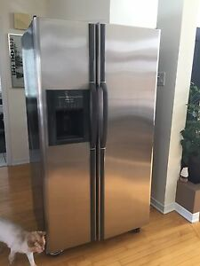 Frigidaire 26.0 Cu.Ft side-by-side Stainless