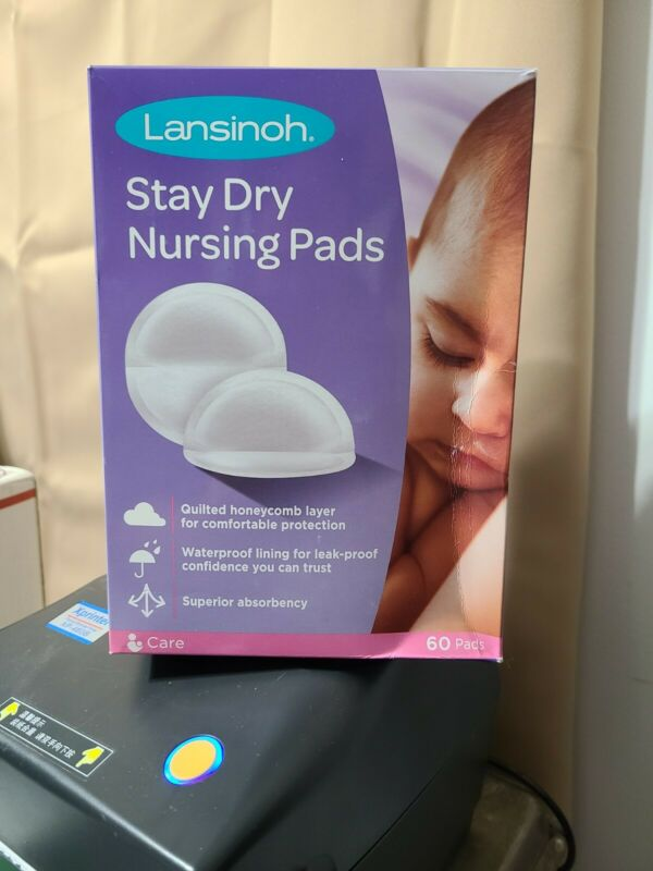 Lansinoh Stay Dry Nursing Pads, Disposable Breast Pads Moderate 60 Count