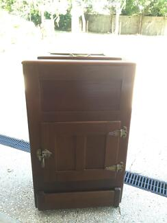 Antique Ice Chest....... Palmwoods Maroochydore Area Preview