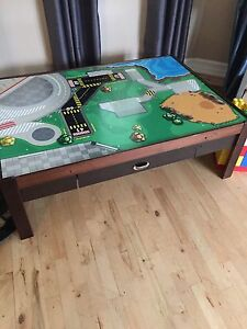 Kids train play table