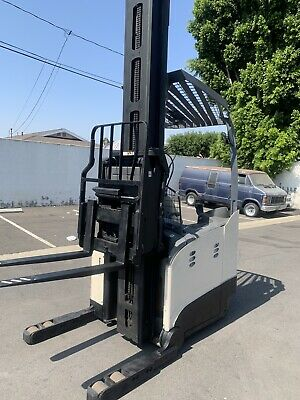 Crown Rm 6000 Series Electric Reach Truck. Fork Liftmonolift 4500lbs Capacity