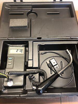 Fluke 51 Kj Handheld Digital Thermometer W Probe