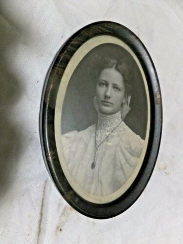 """Small Vintage Tin Picture Frame Oval -w- Pretty Young Lady - Lacy top 7"""" x 5"""""""