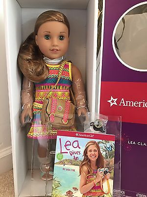 American Girl Lea Clark Doll New  Book  Messenger Bag & Compass Necklace NIB