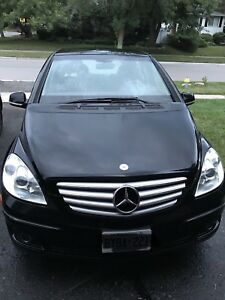 2009 Mercedes B200 - 107,000Km - manual - black