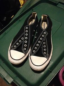 Never worn Converse all star size 11
