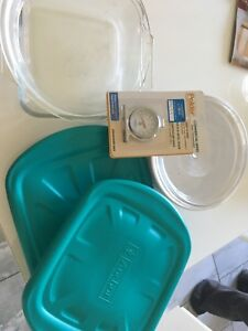 Baking dishes and Oven thermometer