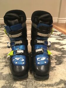 Nordica Youth Ski Boot (22.5)