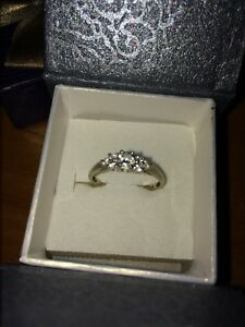 White gold size 7 ring