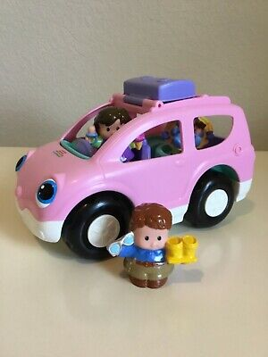 2009 Fisher Price Little People Musical Pink Van w/ Mom, Dad & Baby Boy- Works