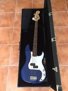 Fender 20th Anniversary Squier P Bass and Amp Bonogin Gold Coast South Preview