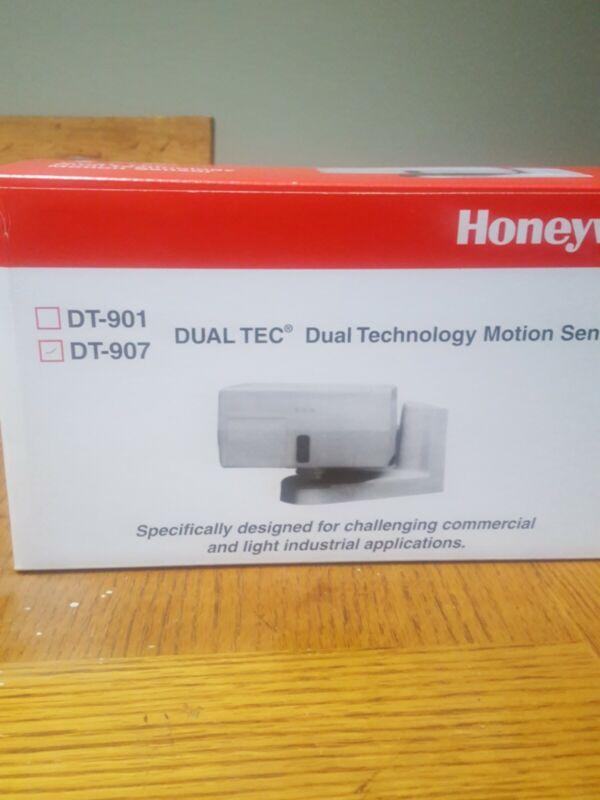 Honeywell Dual Tech Motion Sensor DT-907 200Ft Range, NEW