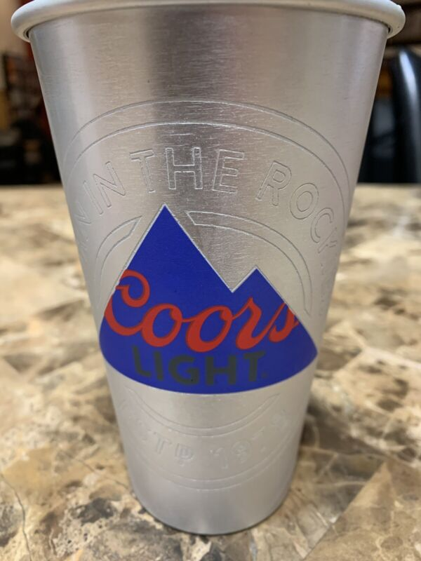 New-Coors Light / NY Giants Alum Cup 22 Oz Set Of 2 Turns Blue When Filled