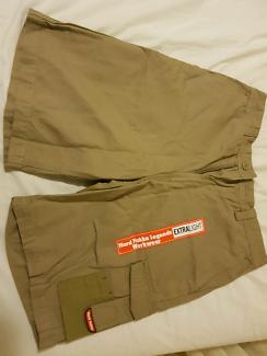 New Hard Yakka Legends Shorts - size 82R.