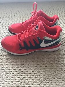 WORN ONCE men's Nike Zoom size11