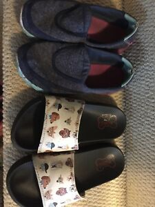 Girls shoes/sandals size 3
