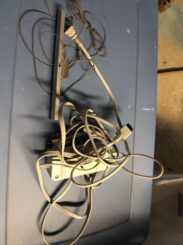 Original Nintendo Wii Power Cord AV Cable And Sensor Bar Complete Hookups - $10.00