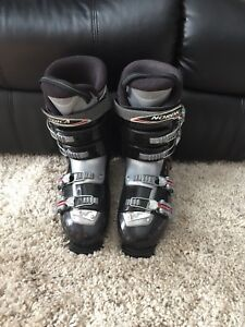 Nordica men's down hill ski boots